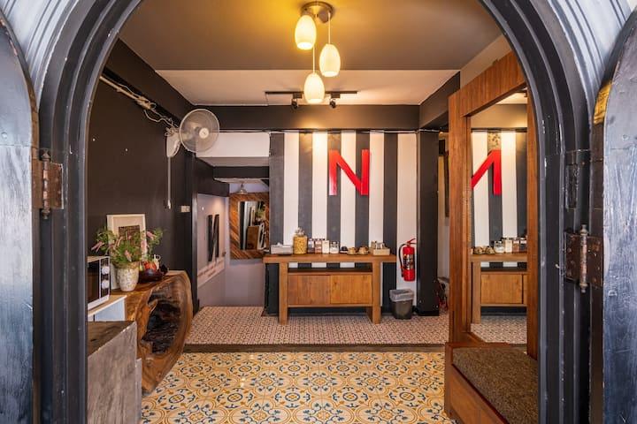 N5-宁曼路中心旅馆 独立房间私人卫生间 靠近机场和夜市靠近玛雅购物中心 距离7-11便利店一百米