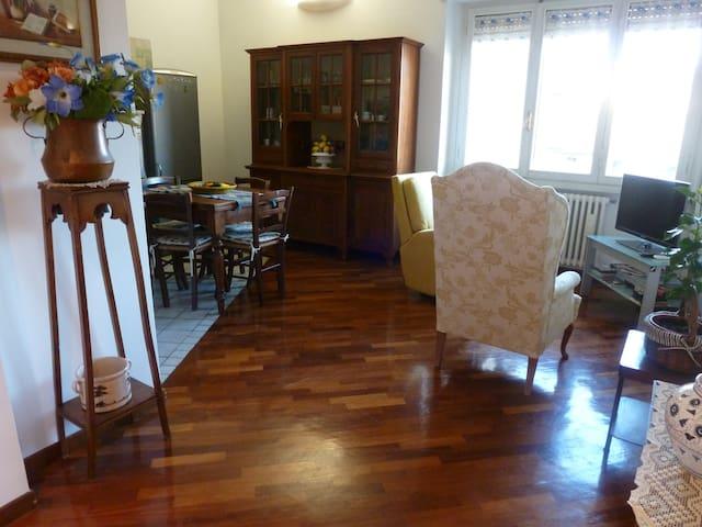 LUXURY QUIET APARTMENT - Florencja - Dom
