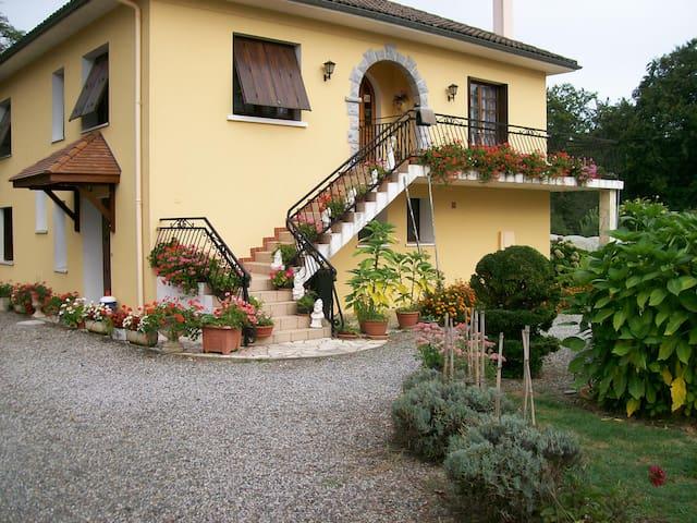 jardin fleuri - Sus - Apartamento