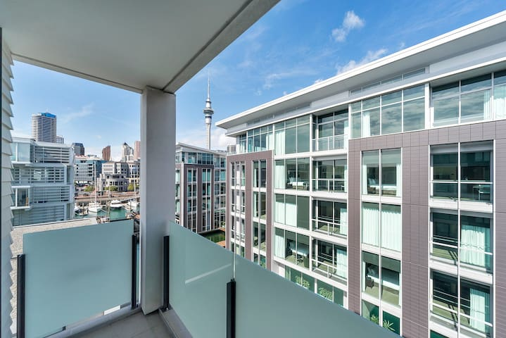 Cute one bedroom apartment in the heart of Viaduct