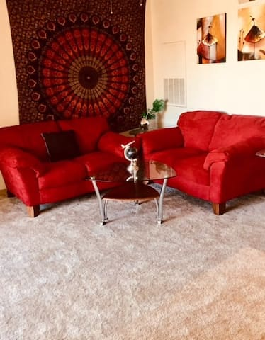 ***CENTRAL / CLEAN / COZY  2BR APARTMENT***