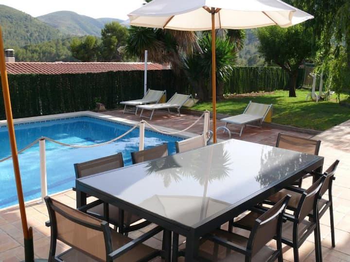 Casa entera  cerca Barcelona con piscina y playa