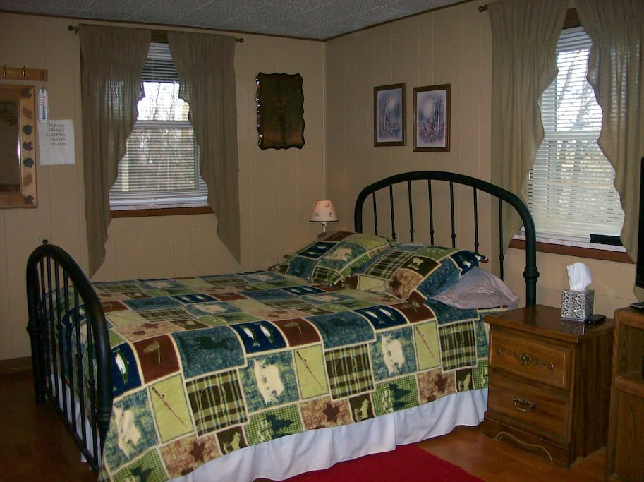 downstairs queen bed #3