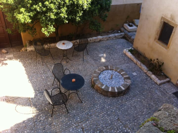 """Goulas guesthouse"" studio for 2-4 persons"