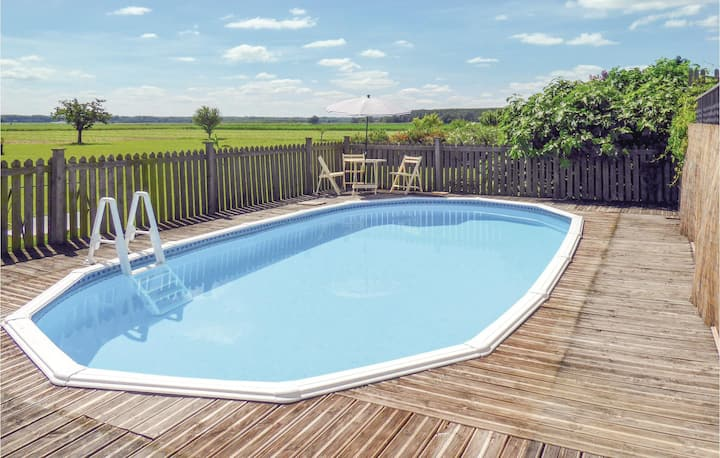 Holiday cottage with 2 bedrooms on 54m² in Lagrueres