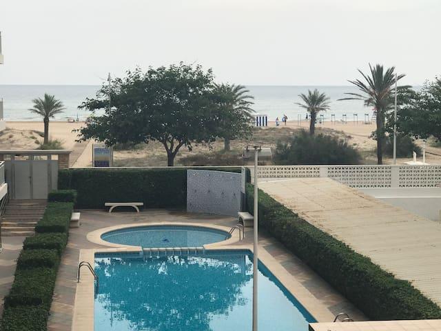 Apartamento 1 linea de playa de Gandia