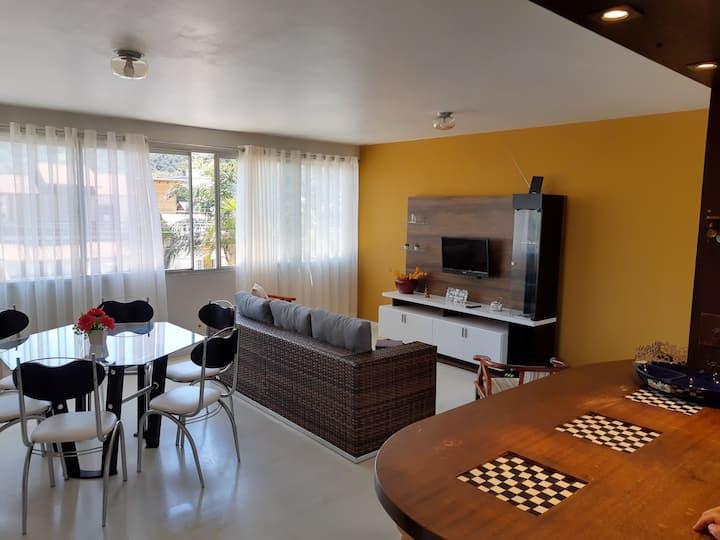 Apartamento Amplo na Praia da Vila.