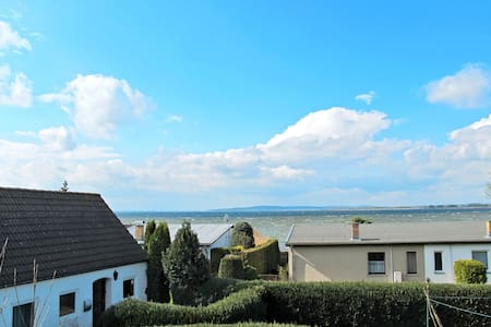 Lovely attic apartment with views of the 60 m distant Kummerower See