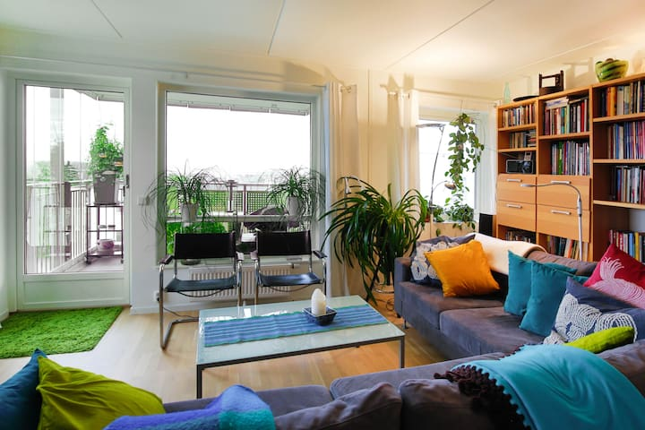 Modern flat with a great view and safe parking