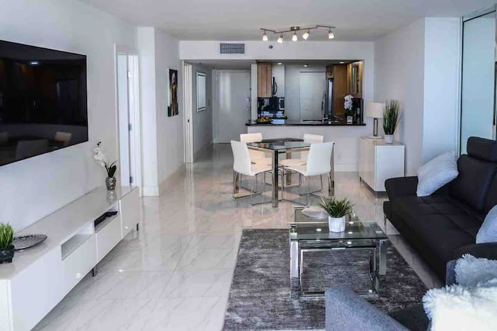 Penthouse 1 Bedroom in Downtown Miami (Hilton)