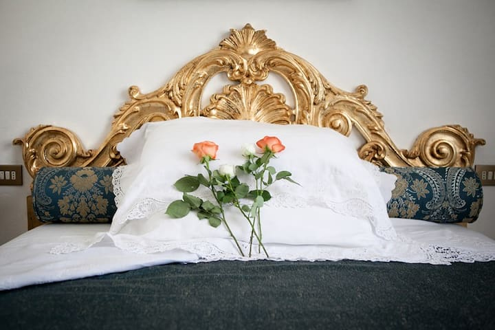 Domus Socolatae Charming B&B - Camera matrimoniale - Follonica - Bed & Breakfast