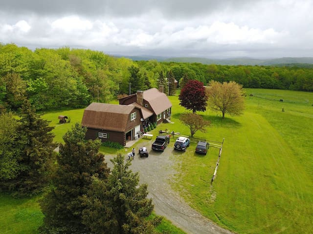 Secluded 160 Acre mountain top home