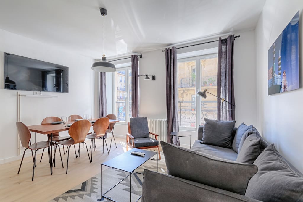 superbe appartement rivoli louvre 2 chambres j appartements louer paris le de france. Black Bedroom Furniture Sets. Home Design Ideas