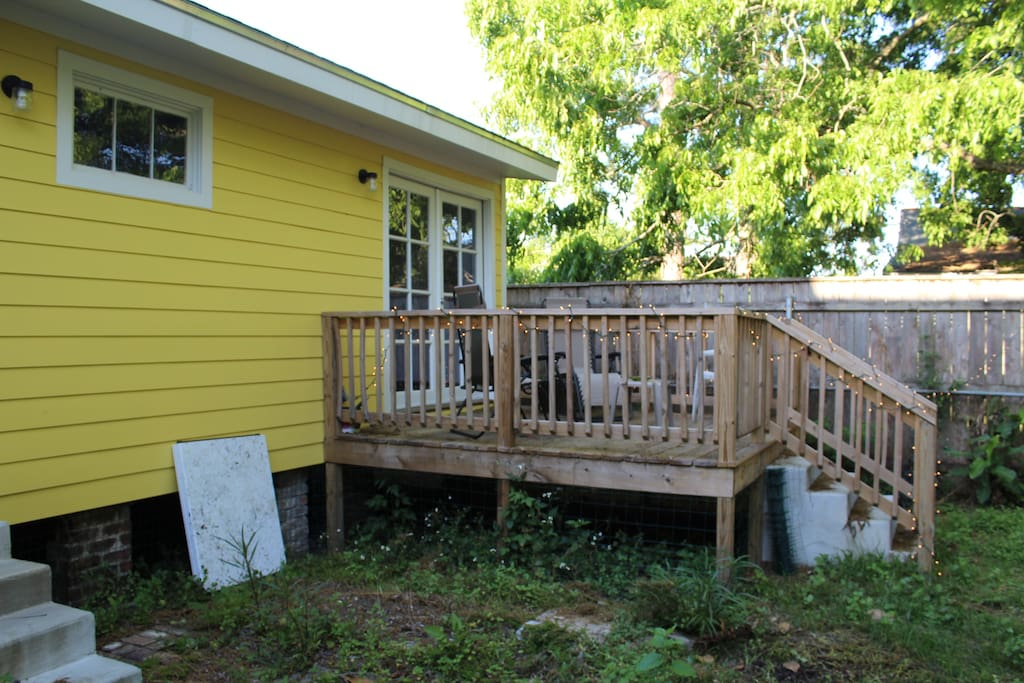 Shared space: spacious backyard, great for pets