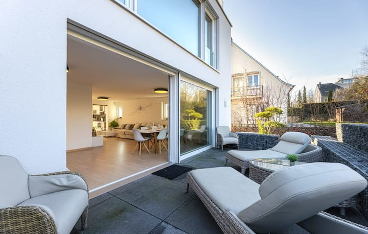 Magnificent 2 BR House w/ Rooftop Terrace + Parking