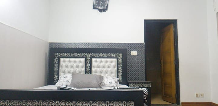 Fully Furnished Villa for Couples & Families