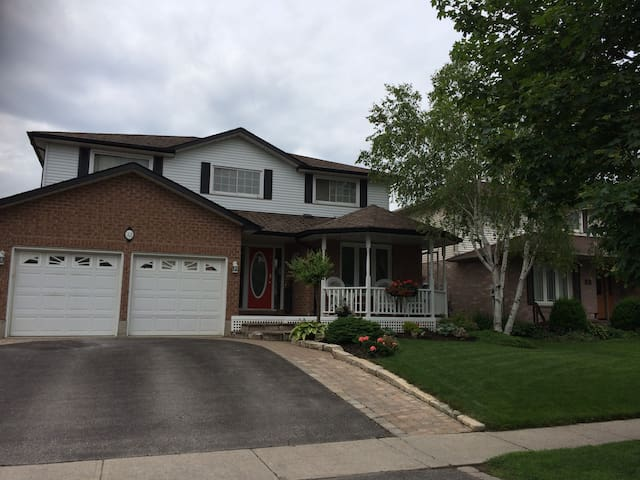 Spacious home just a short walk to downtown Port Perry.     Enjoy the lake (boat rentals and fishing), shopping, restaurants, local brewery, the casino or the many local festivities happening every weekend throughout the summer.