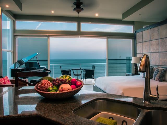 SPECTACULAR BEACHFRONT SUITE WITH MAGNIFICENT VIEW