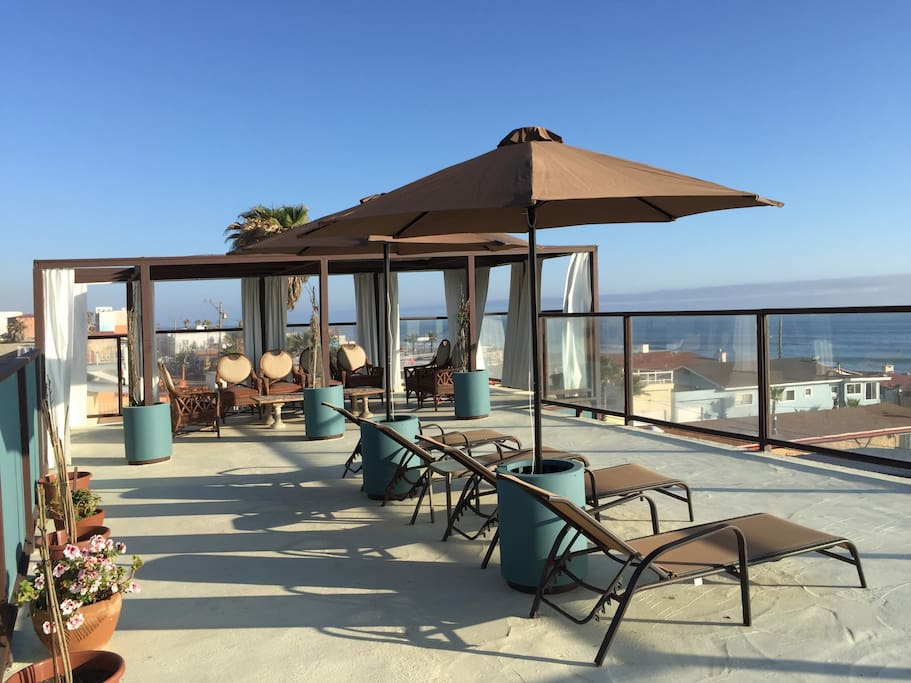 Terrace with 360o views. Ideal for sunbathing or just enjoying the views.