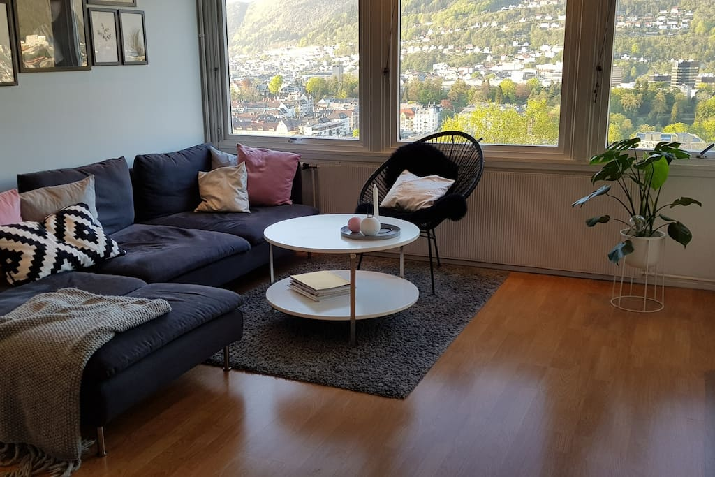 stue med fantastisk utsikt over Bergen by