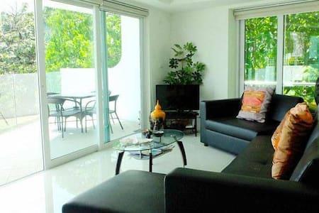 Kata Condo with pool & sea views - 2 bed, 2 bath - Karon - Appartement