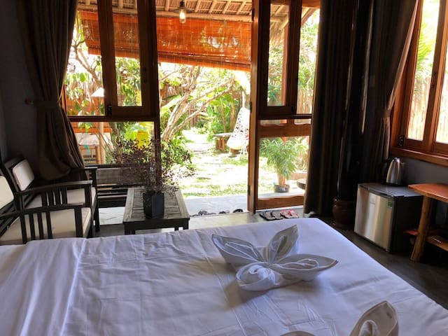 The Lotus Garden Bungalow 3 min. walk to the beach