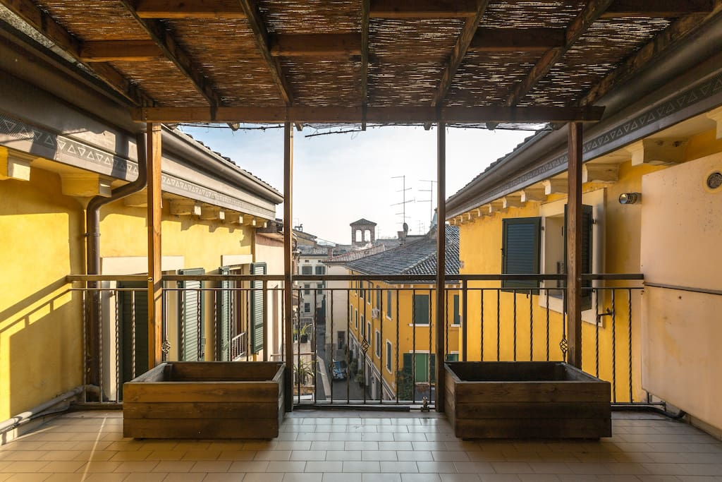 Terrace towards the historical roof of Peschiera town