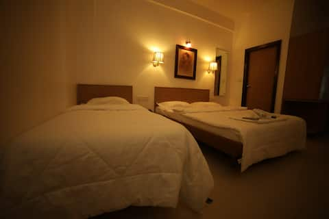 Double Deluxe Room | Hotel Surbhi
