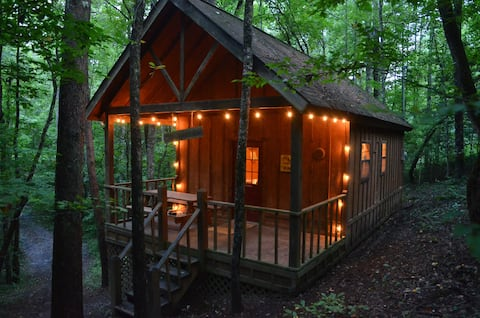 The Woodsman Cabin at Starr Mountain Retreat