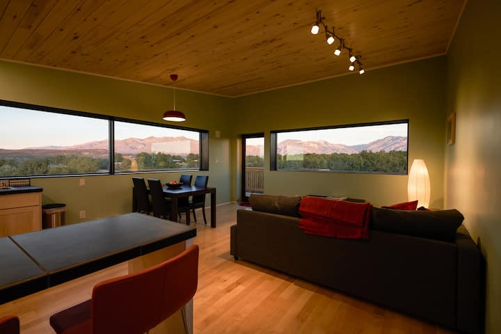 House 101: a modern home with spectacular views
