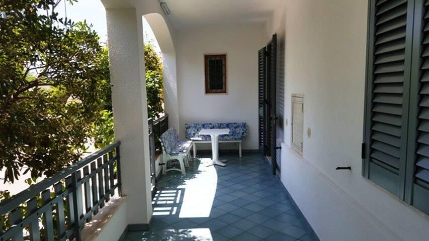 Graziosa villetta Salentina a 50 mt dal mare - Torre San Giovanni - Haus