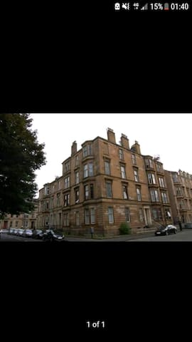 Room available in westend of Glasgow