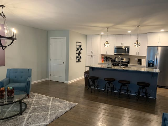 Comfy room near downtown Atlanta and Emory