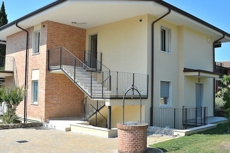 6 Sleeps House With Pool In Garda - Appartement