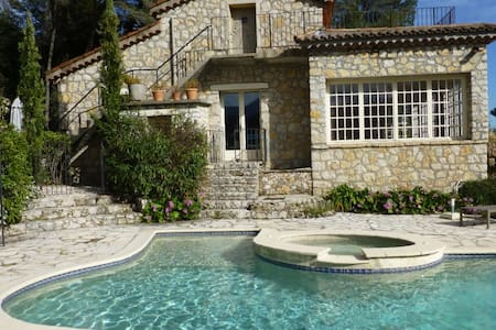 Charming villa - perfectly located - Roquefort-les-Pins - Villa