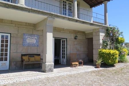 "Rustic Duplex in Country House ""Casa da Timpeira"" - Vila Real - Lägenhet"