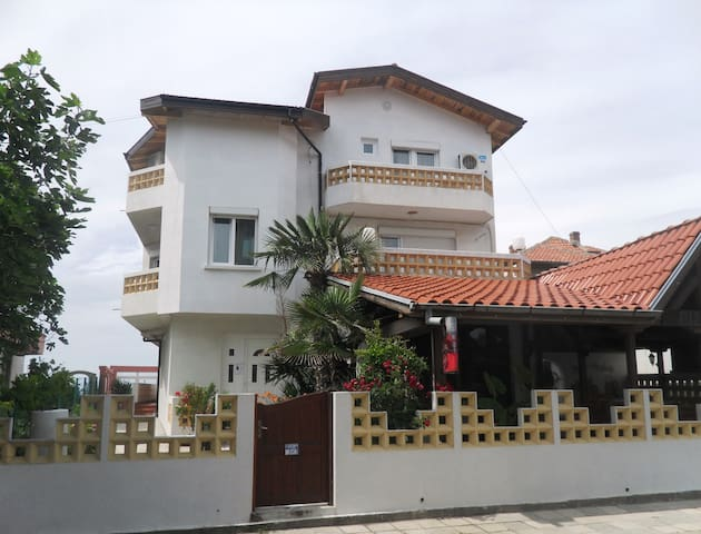 "Apartment for rent in Guest house ""Casa bella''"