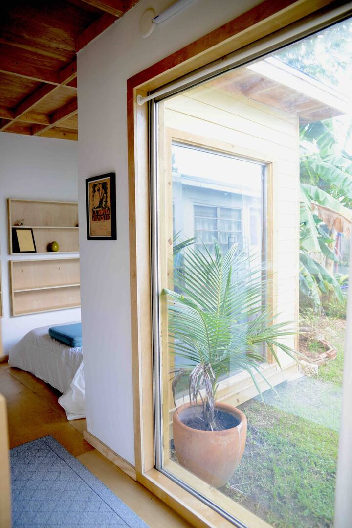 Tropical Miami Tiny House!