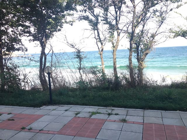 Студия в 5 метрах от пляжа Cote d'azur, Черноморец - Chernomorets - Huoneisto