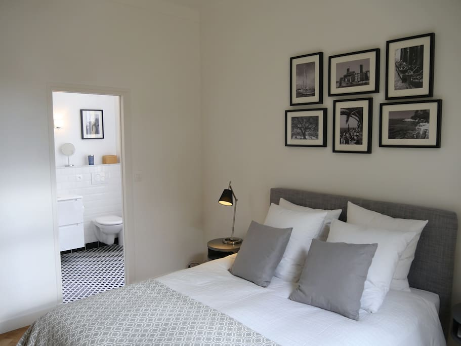 Master Bedroom ensuite. Fitted with AC, TV & Apple Tv