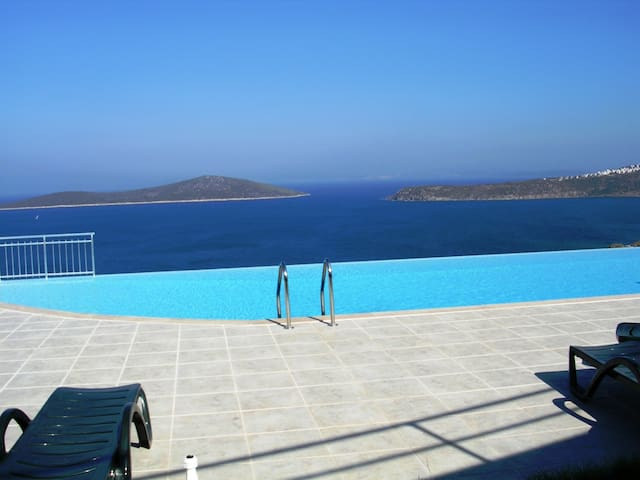 Private Pool Villa Cappıcuno - Gündoğan - Villa