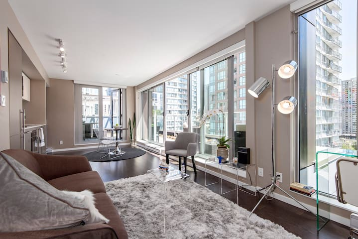 Amazing Views  and Modern Apartmen in DT Vancouver - Vancouver - Lägenhet