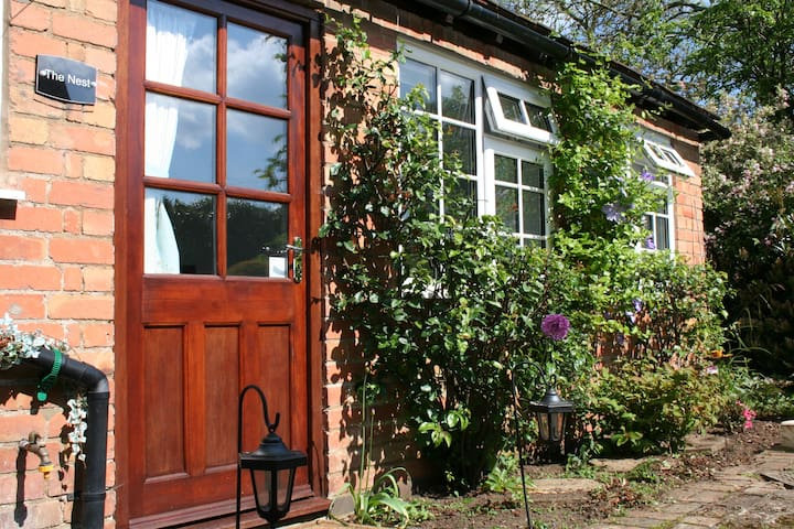 ⭐️ Quiet Cottage Annexe with private parking