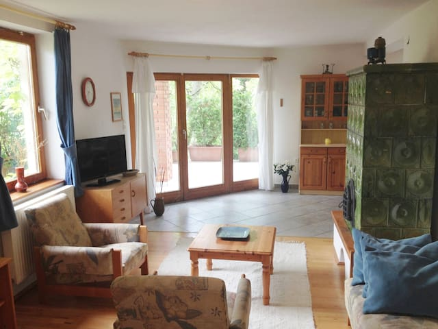 Calm and quiet house 50 meters from the lake
