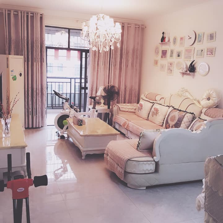 新一中对面舒适简欧风格精装修/幸福E家/90平米二房二厅公寓