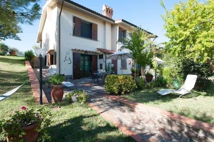 Casa Vacanze con piscina privata e splendida vista - Empoli - Villa