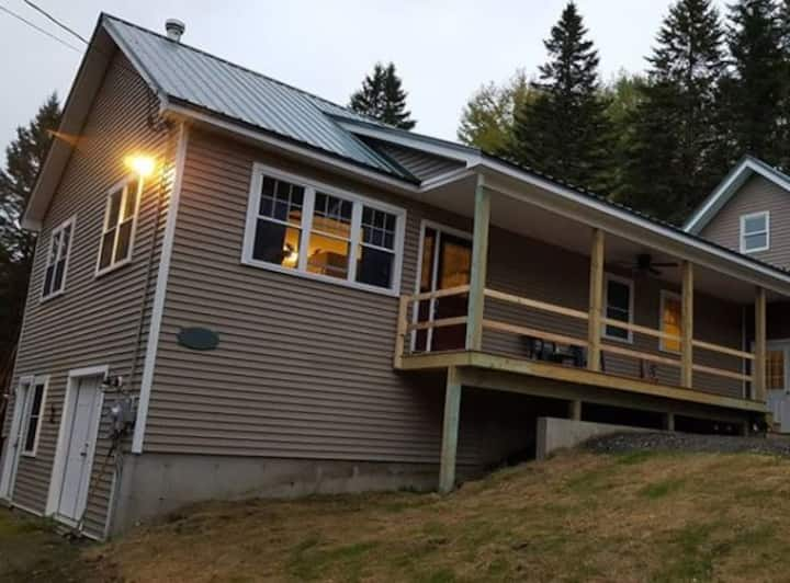Secluded 3 Bedroom House with Direct Trail Access