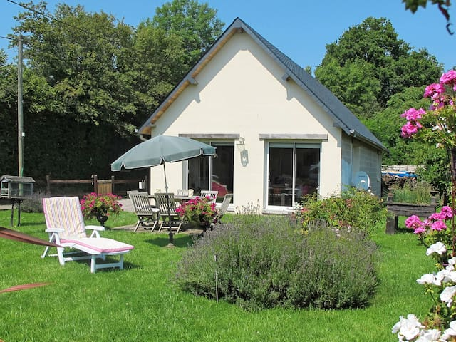 Holiday home in Branville - Branville - Talo