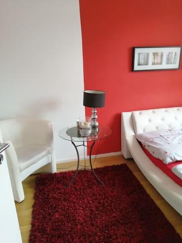 modernes, stilvolles WG-Zimmer