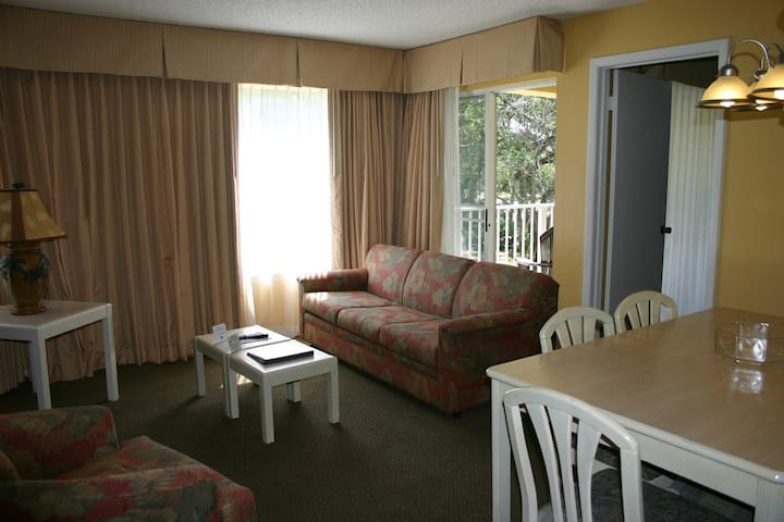 Affordable in Great Spot 2Bedroom/2Bath Condo- TBS